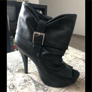 Jessica Simpson black open toe